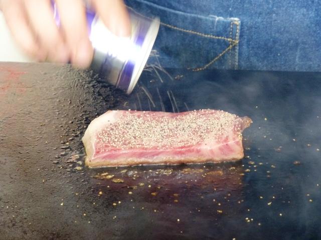 鹿島食肉事業協同組合 1枚¥1,000の常陸牛ステーキ